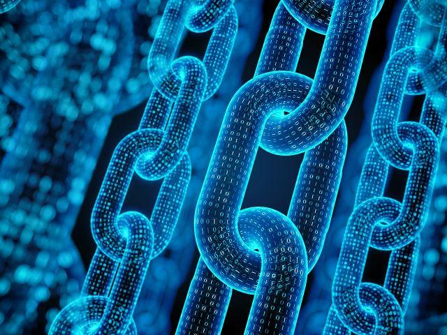 Blockchain je decentralizovaná databáze, do které se zapisují potvrzené transakce.