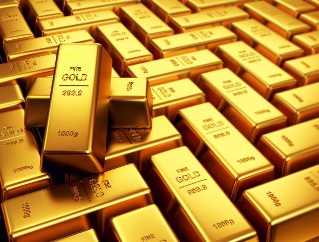 Zlato a stříbro je bezpečný přístav v době krize.
