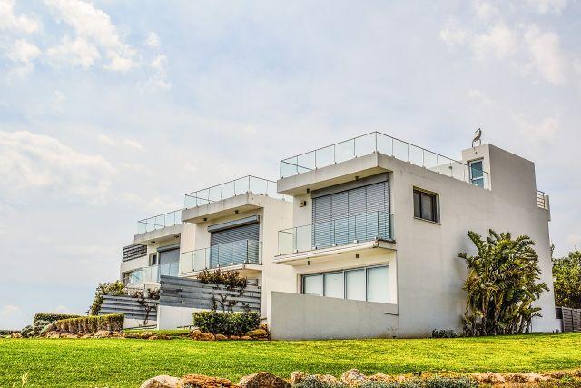 Nemovitosti můžete kupovat za účelem bydlení nebo na investici.
