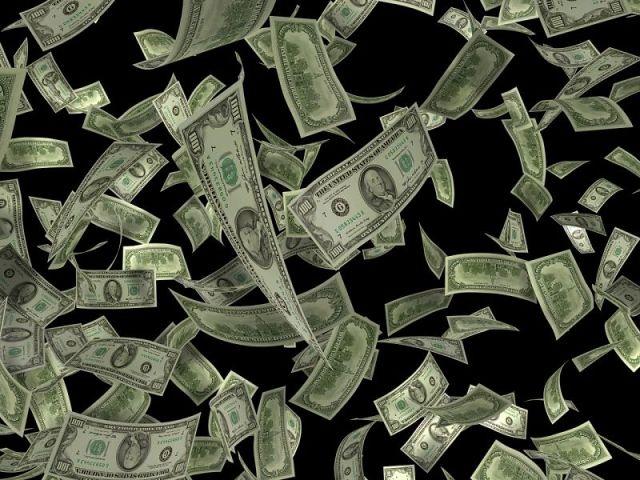 Tiskne se jak o život, peníze ztrácí hodnotu