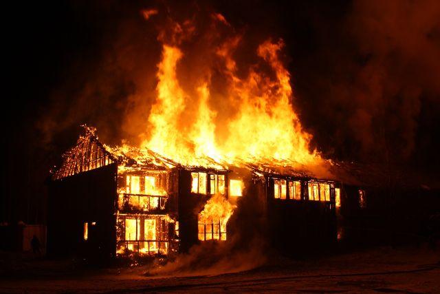 Při požáru se aktivuje automatická platba ve výši dohodnuté mezi klientem a pojišťovnou.